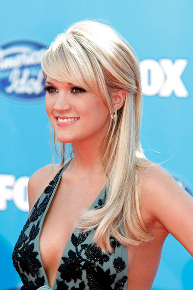 Carrie Underwood Hairstyles Half Up Down