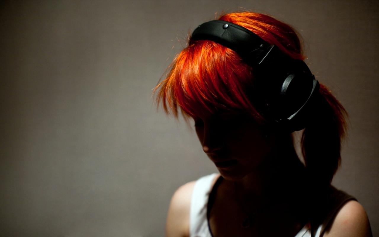 Hayley Williams Headphones