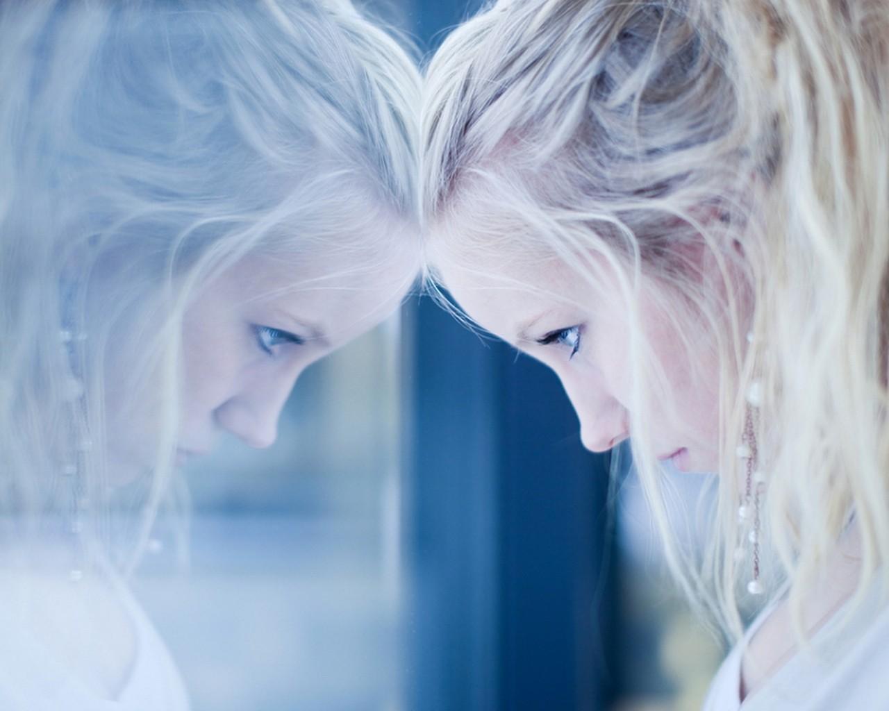 Blonde Reflexion