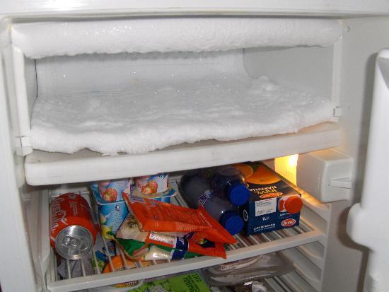 3 mm de givre dans le frigo 30 de plus sur la facture. Black Bedroom Furniture Sets. Home Design Ideas