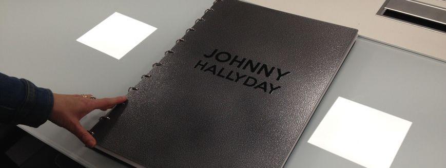 johnny hallyday en mayenne une imprimerie publie un livre g ant consacr au. Black Bedroom Furniture Sets. Home Design Ideas